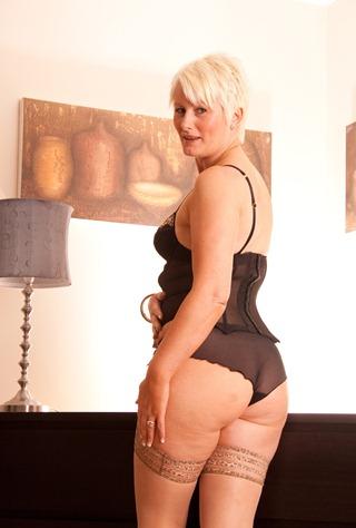 sally posing her nice rear