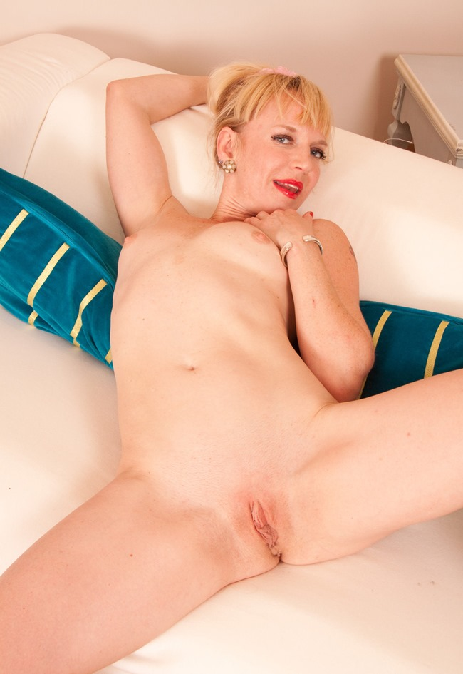 blonde milf naked